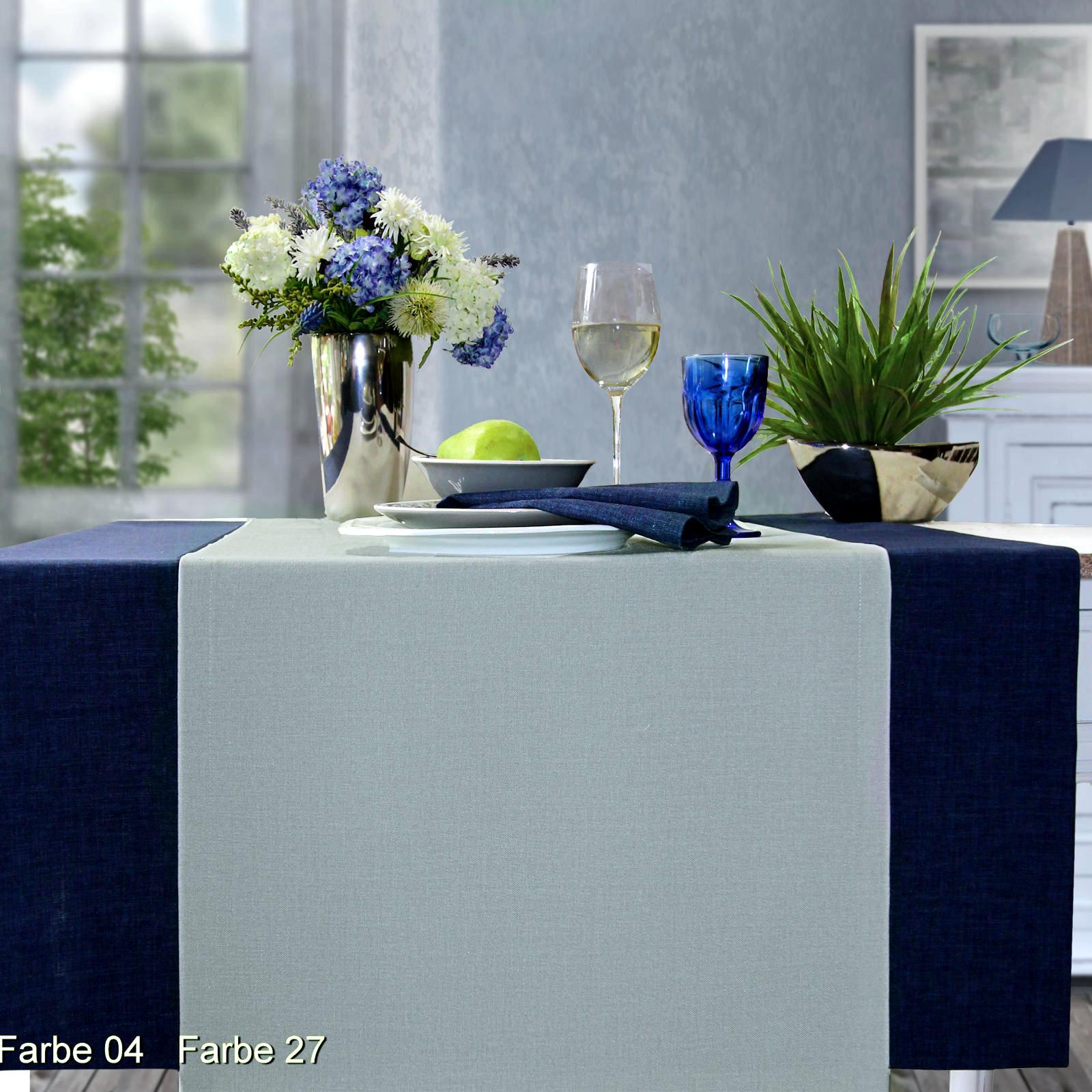 Blaue Tischdecke und grauer Tischläufer