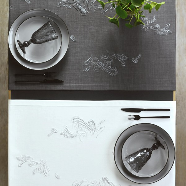 exklusive Tischläufer CASHMERE mit handgeführter Stickerei 50x150cm (0)